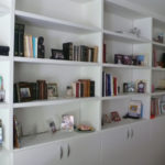 Bibliothèque avec étagères épaisses